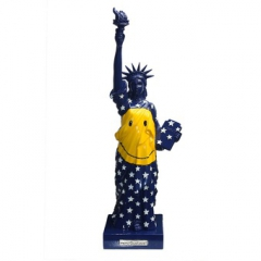 miss-liberty-smiley-velvet.jpg